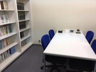 相談室・執務スペース
